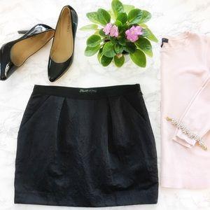 Elizabeth and James Mini Skirt Size Medium